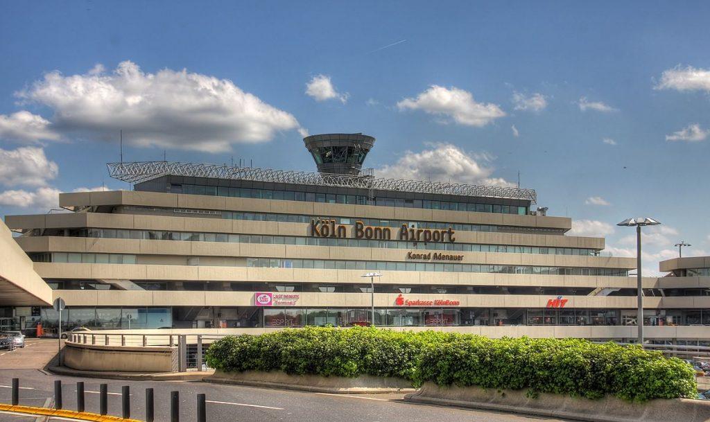 keulen airport parkeren lang